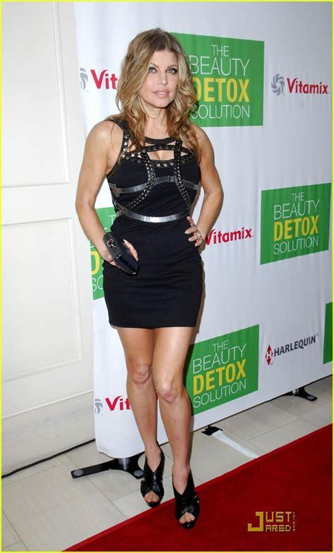Detox By Drew by Drew Barrymore Fergie Detox Photo 2535377