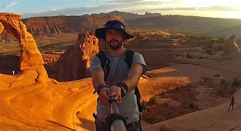 most epic film of all time video guy takes the most epic selfie of all time