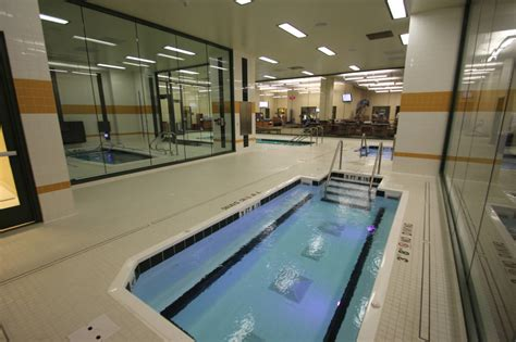 athletic room green bay packers athletic room features hydrotherapy