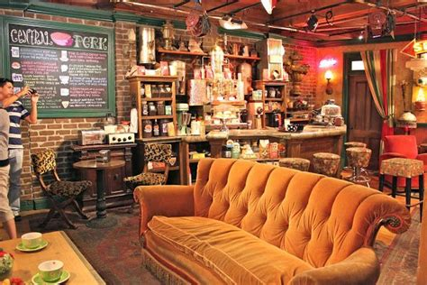 central perk sofa 16 best images about friends central perk coffee shop on