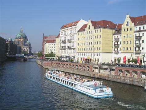 berlin boat tour spree river cruise spree river boat tours berlin ticket
