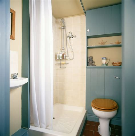 can you install a fiberglass shower pan in a tiled shower