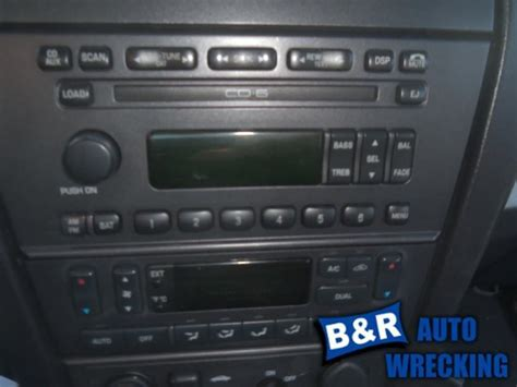 find radiostereo    ford thunderbird  fm cd  disc  dash id wt  motorcycle