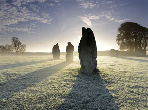 Ancient Detox Scholarly by Secret Square Discovered Beneath World Avebury