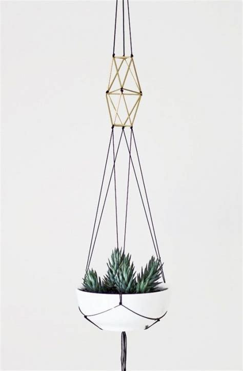 Modern Macrame - plants macrame and colors on