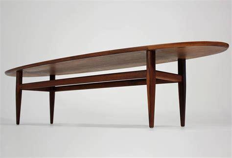 Henredon Coffee Table Henredon Modernist Surfboard Walnut Coffee Table At 1stdibs