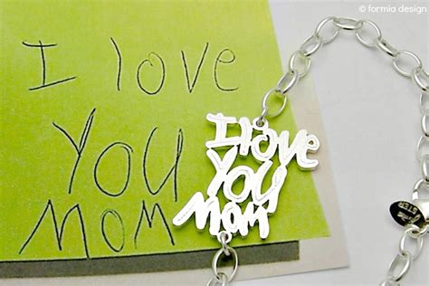 25 great tech gifts for mom design sponge 15 of our very favorite personalized gifts for mom