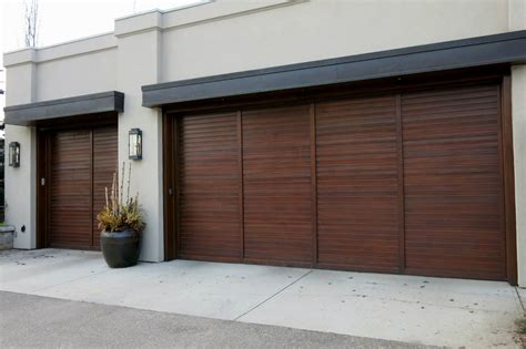 Barn Door Garage Door by Barn Side Sliding Garage Doors With Classic Brown Theme