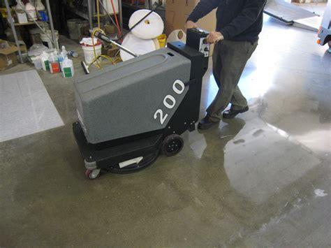 Floor Burnisher: 200 Walk Behind Floor Polishing Machine