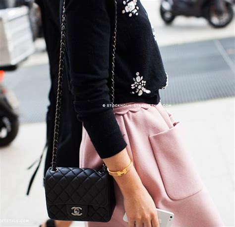 Conrad Takes Chanel Purse To Target by 288 Best Images About Chanel Mini Flap Bag In Black On