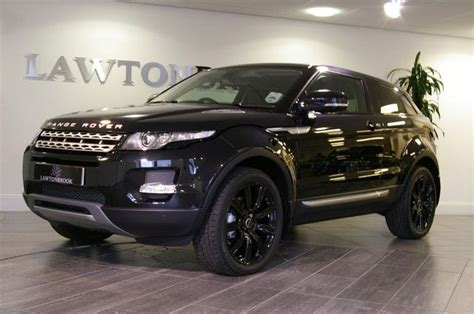 range rover evoque back boloro black evoque on black wheels evoque