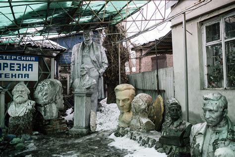 ucrania intenta eliminar su pasado sovi 233 tico derrumbando 1 320 estatuas de lenin