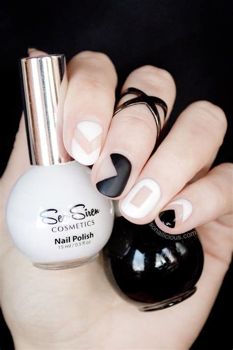 nail art white tutorial black and white negative space nails tutorial