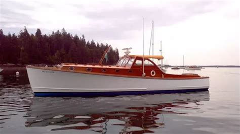 recreational trawler boats what s the difference between a downeast and a trawler