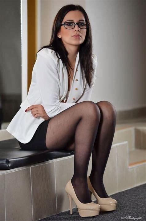 Midi Heels Boot Megan Berkualitas tights nylons collant pantimedias