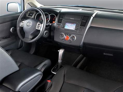 nissan tiida interior 2015 nissan tiida hatchback tekna 2015