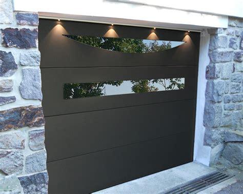portes de garage avec hublots design int 233 gr 233 s smf services