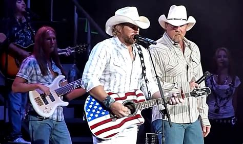 toby keith courtesy of the red white and blue lyrics toby keith and trace adkins courtesy of the red white