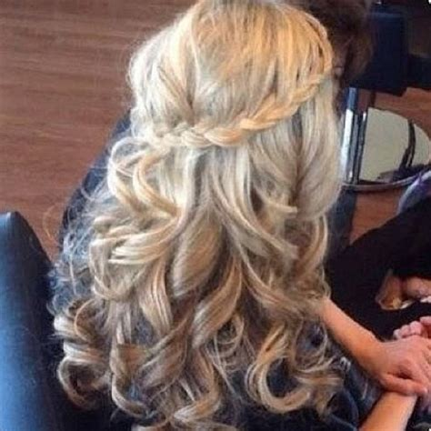 twist and curled hair for prom hairstyles weekly cute curls with a twist hair ideas pinterest hair