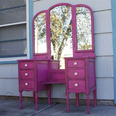 can i paint my bedroom furniture i need this for my bedroom distressed furniture in a