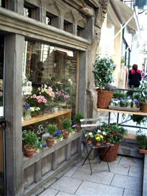 decorate   flower shop