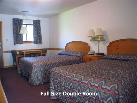four seasons lodge two size room