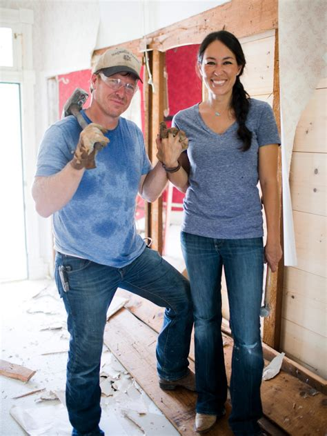 chip and joanna gaines garden 12 times chip and joanna gave us major relationshipgoals