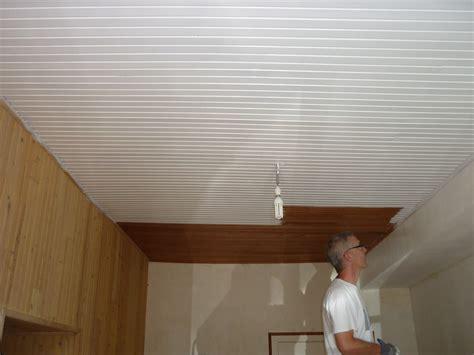 Peindre Un Plafond En Bois by Peindre Un Plafond En Lambris Peinture Bois Laquer Blanc