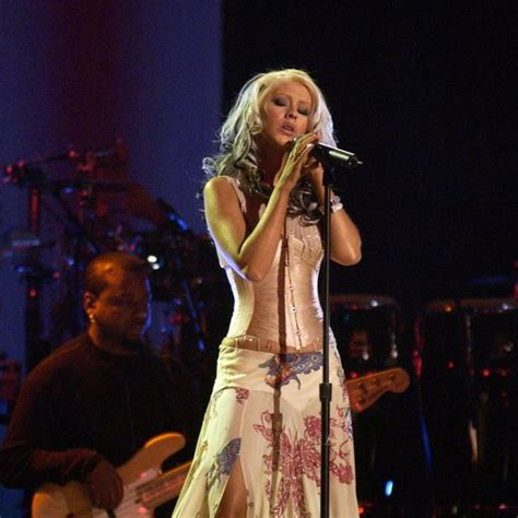 top 10 american music award gallery christina aguilera at the american music awards