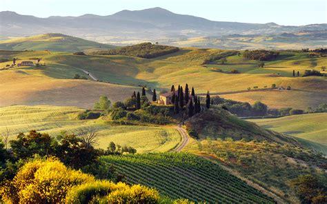 il giardino segreto san quirico i cipressi della val d orcia il giardino segreto d italia