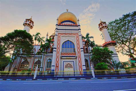 Di Singapura masjid sultan masjid tertua di singapura is beautiful