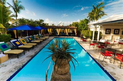In The House Review by Rock House Bahamas Harbour Island Hotel Reviews