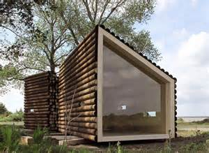 modern log cabin homes relaxshacks thirteen tiny log cabins and a