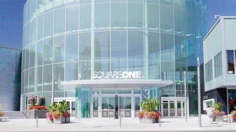 internationally renowned store  open  square