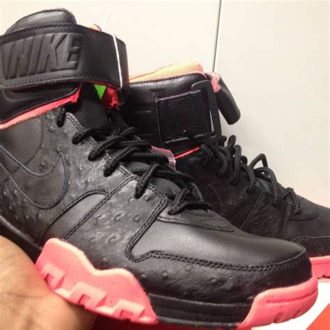 air shark trainer yeezy ostrich infrared ds new size 8 5 kixify marketplace