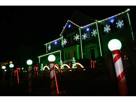 christmas house lights to music leesburg house shines with christmas lights synched to music