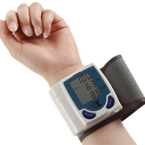 Digital blodtrykksmåler 8276 håndleddsmåler   Aktivliv.no