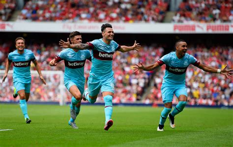 arsenal west ham mauro zarate photos arsenal v west ham united premier
