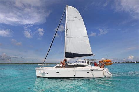 catamaran cozumel el cielo cozumel rent a catamaran from 1 to 14 people el cielo isla