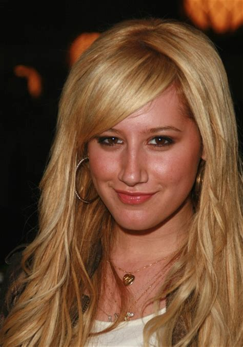 Side Swept Bangs Middle Part | side swept bangs with middle part ashley tisdale