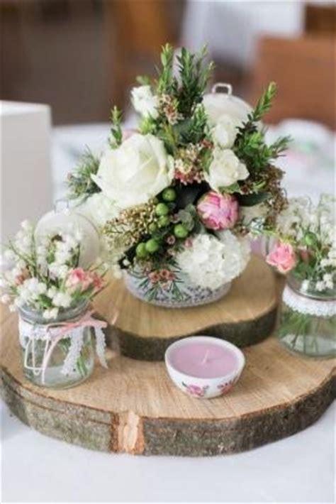 Tischdeko Hochzeit Tracht by Trachtenhochzeit Eine Torte Wird Zum Farbkonzept