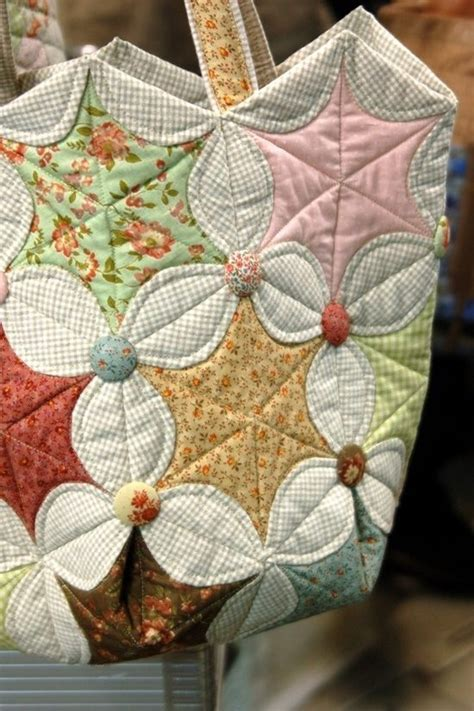 Cathedral Window Patchwork Pincushion - 17 best images about quilts cathedral windows on