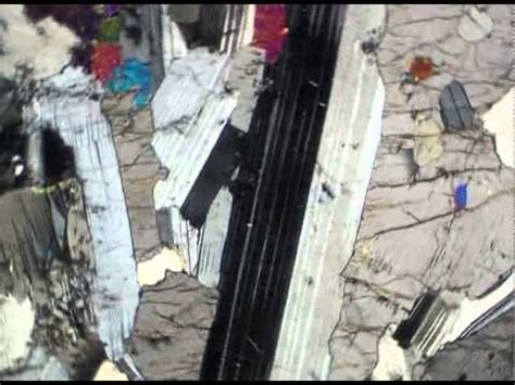 plagioclase twinning thin section plagioclase in gabbro xpl youtube