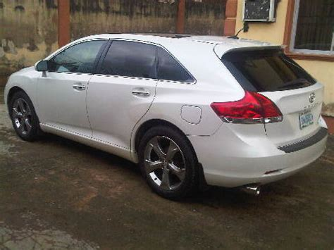 nearest toyota clean white 2009 toyota venza for sale 3 7m or