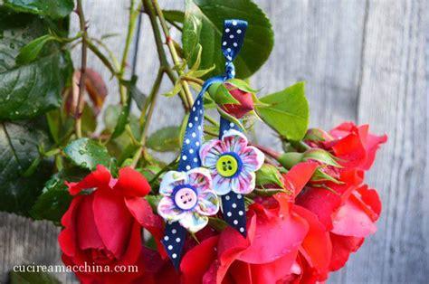 realizzare fiori di stoffa come realizzare fiori di stoffa per ciondoli e portachiavi