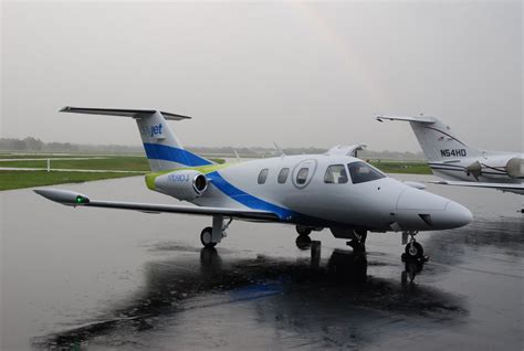 jets with lights file dayjet air taxi service eclipse 500 light