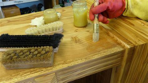 holz altern natronlauge wachsen holz wachspolitur bienenwachs auftragen und