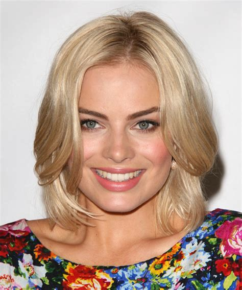 pics com of com light hair in front and shark in back margot robbie medium straight formal bob hairstyle light
