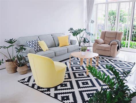 curan cat untuk membuat warna ungu 41 ide warna cat ruang tamu yang cantik terbaru dekor rumah