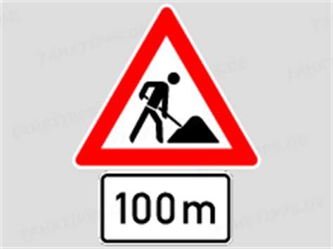 Baustellenschild Mit 100 M streckenverbote in baustellen 166 fahrtipps de